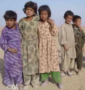 Piccoli afgani vicino a Herat