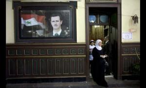 Propaganda per Bashir Al Assad (foto Al Jazeera)