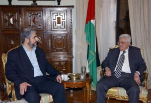Il leader di Hamas, Meshal, e Abu Mazen
