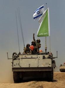 carri-armati-lungo-la-striscia-di-gaza