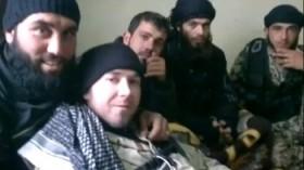 Eric Harroun, combattente straniero, con esponenti diJabat - al-Nusra