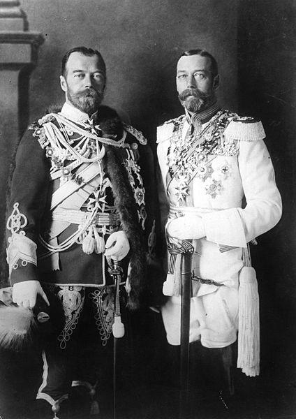 I due cugino, figli di due sorelle principesse danesi, lo Zar Nicola II e il futuro Re Giorgio V d'Inghilterra.