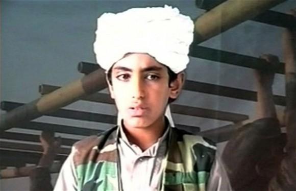 Un giovanissimo Hamza bin Laden, foto probabilmente del 2001