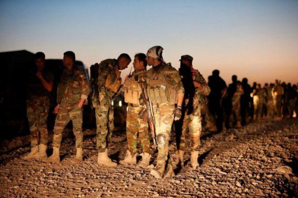 L'avanzata delle forze pershmerga verso Mosul (Una splendida foto di Azad Lashkari)