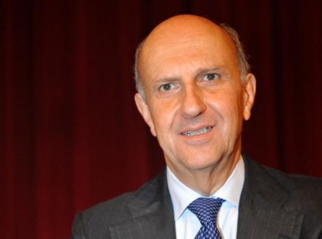 Il prefetto Alessandro Pansa, Direttore del Dipartimento Informazioni per la Sicurezza (DIS)