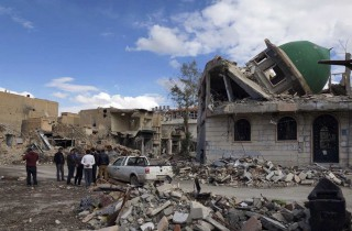 La distruzione a Deir al Zor