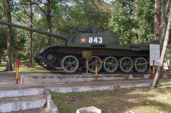 Uno dei carri armati vietcong che penetrarono nel Comando americano a Saigon e sancirono la caduta della città (photo©firuzeh)